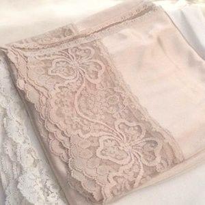Vintage tan/nude half slip lace edge trim A-line L